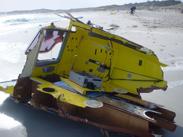 Image of the remains of Alex Bellini's ROSE DE ATACAMA on Formentera Island
